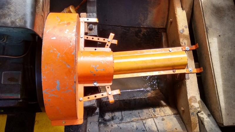 Cobertura do eixo do motor de uma embarcação previne novos casos de escalpelamento (Foto: Capitania Fluvial de Santarém/Divulgação)