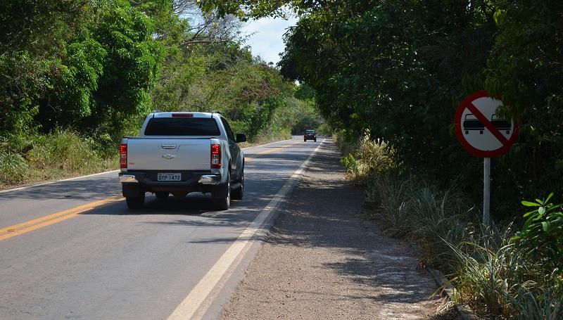 Veículos em um trecho da BR-163 em Santarém, no Pará — Foto: Adonias Silva/G1