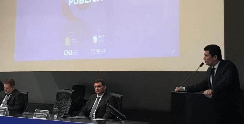 Ministro Sérgio Moro (Justiça e Segurança Pública) discursa em seminário sobre políticas para segurança — Foto: Rosanne D'Agostino/G1