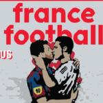 Capa da France Football estampa arte com beijo na boca entre Messi e CR7
