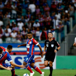 Grêmio derrota o Bahia e garante vaga na semifinal da Copa do Brasil