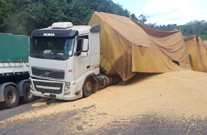 Acidente em Moraes Almeida (Foto:Jornal Folha do Progresso)