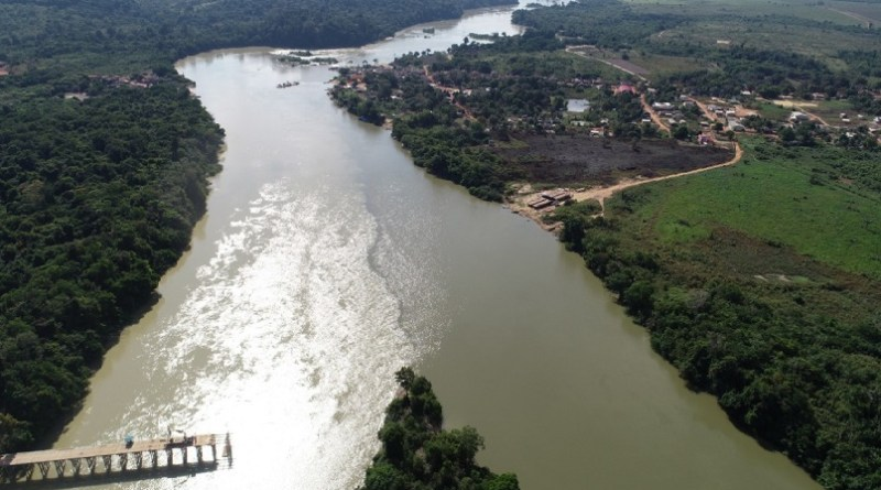 Desenvolvimento – Obra de ponte de acesso na trans garimpeira pelo rio Jamanxim esta sendo construída na  comunidade de Jardim do ouro no município de Itaituba