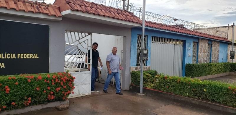 Valmir saindo do Posto da Polícia Federal em Itaituba. (Foto: Richardson Vieira)