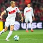 Athletico-PR vence Internacional e sai na frente na final da Copa do Brasil