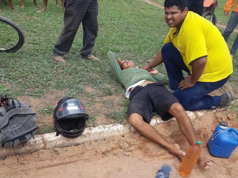 Populares ajudando no socorro as vitimas(Foto:Jornal Folha do Progresso)