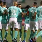 Palmeiras goleia, encerra jejum e frustra sonho do Goiás