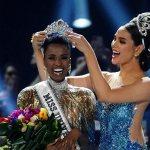 Africana é eleita a mulher mais bonita do mundo e leva a coroa do Miss Universo 2019