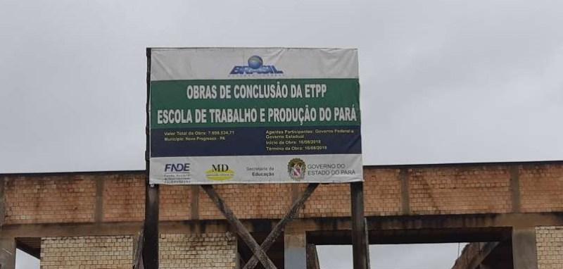 Placa mostra de onde vem dinheiro para construir a escola(Foto:Jornal Folha do Progresso)