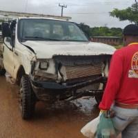 Acidente entre carro e moto deixa um ferido próximo ao posto Curua na rodovia Br 163 em Novo Progresso.