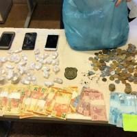 Polícia desarticula 'boca de fumo' em residência de mulher que dizia vender açaí para justificar movimentação