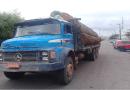 Caminhão com madeira é apreendido na região da PA-370 e motorista é preso com armas