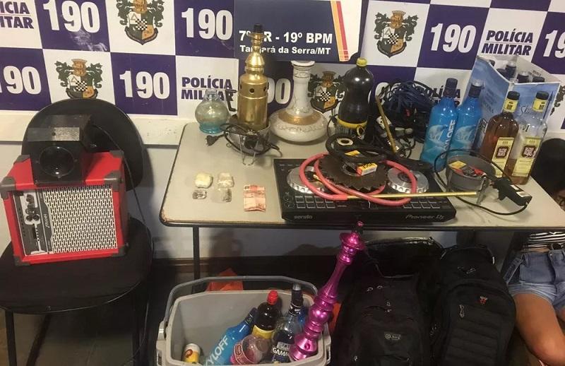 Produtos encontrados na festa foram apreendidos — Foto: Polícia Militar