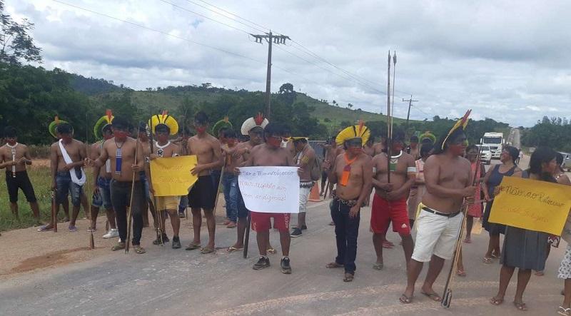 Indígenas Kayapo bloquearam a rodovia no município de Novo Progresso ,em março de 2019 (Foto:Arquivo Jornal Folha do Progresso)