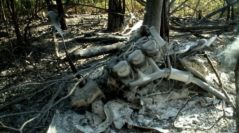 Destroços de avião que caiu na zona rural de Teresina — Foto: Reprodução/TV Clube