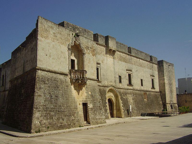 800px-Castello_saraceno_di_Andrano