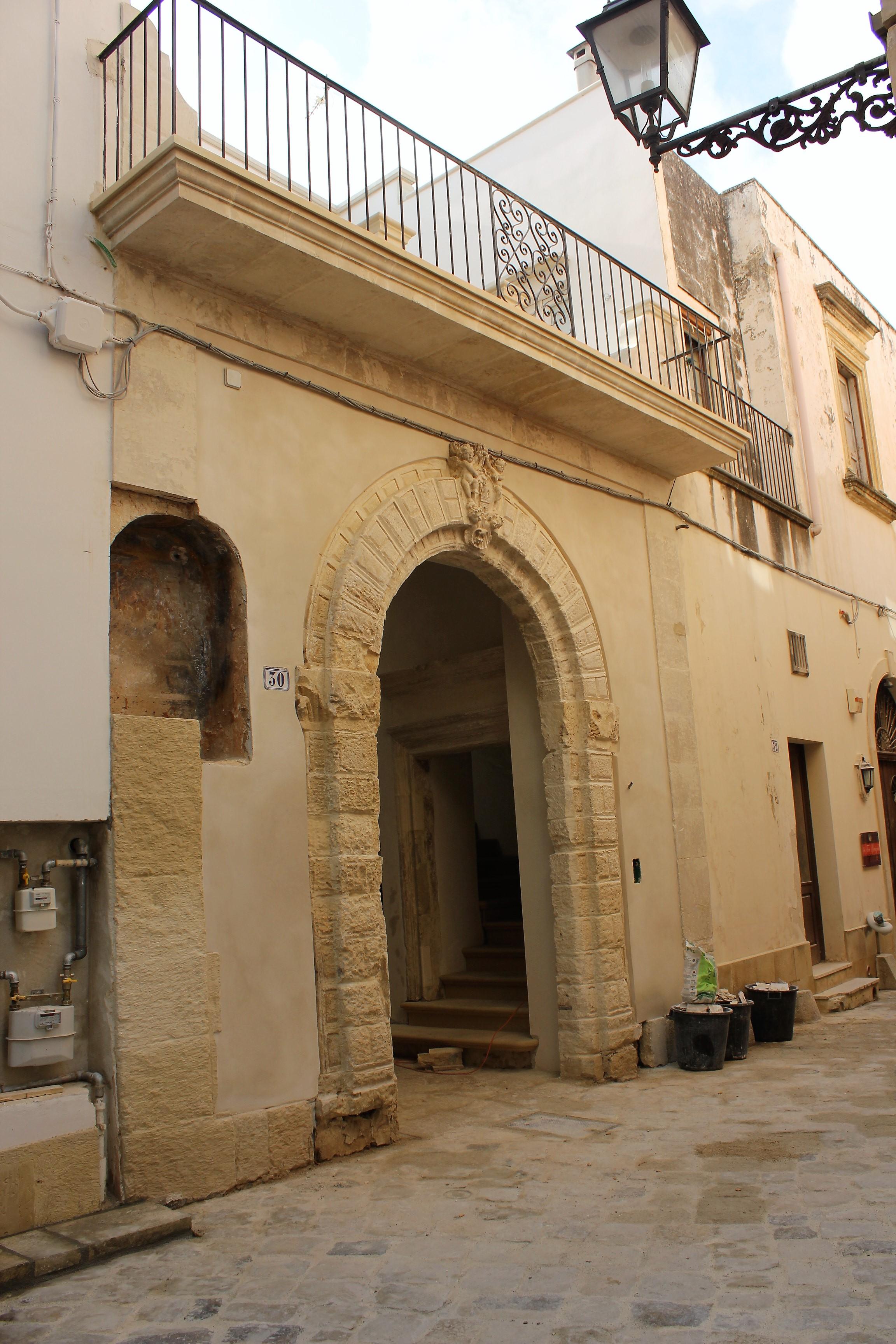 Galatina. Palazzo Mory, il recupero e la scoperta