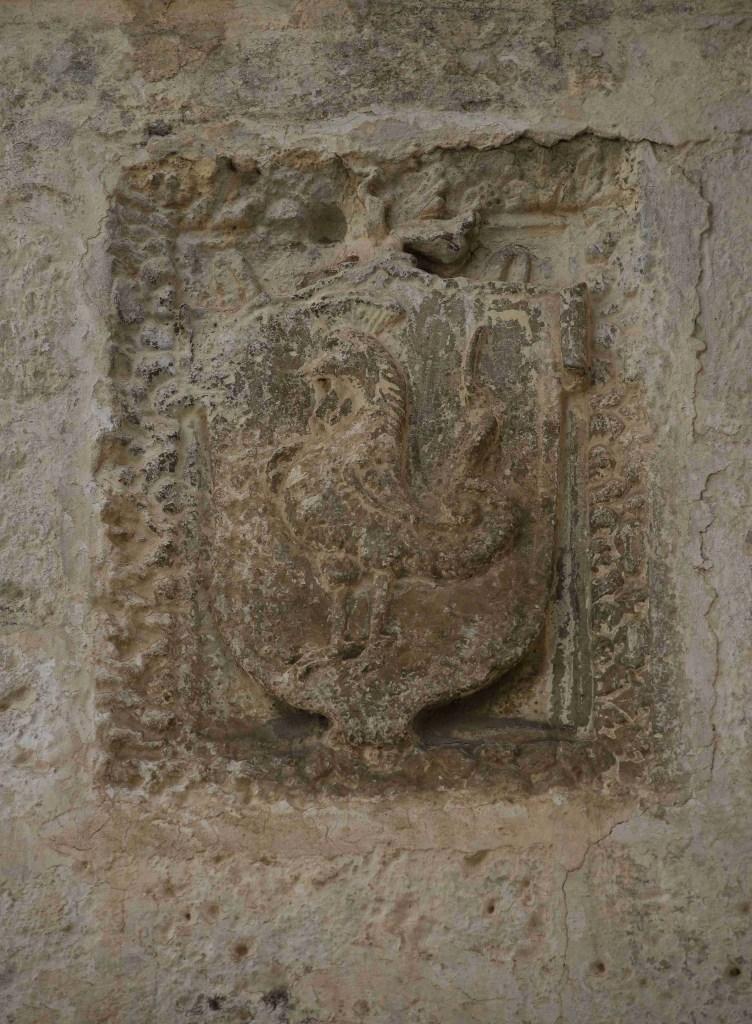 Fig. 2 - Manduria, via Marco Gatti n° 5, particolare dello stemma murato (foto di Giuseppe D'Angeli)