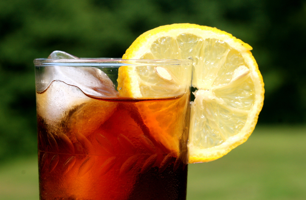 Hard Sweet Tea Recipe | Food Republic