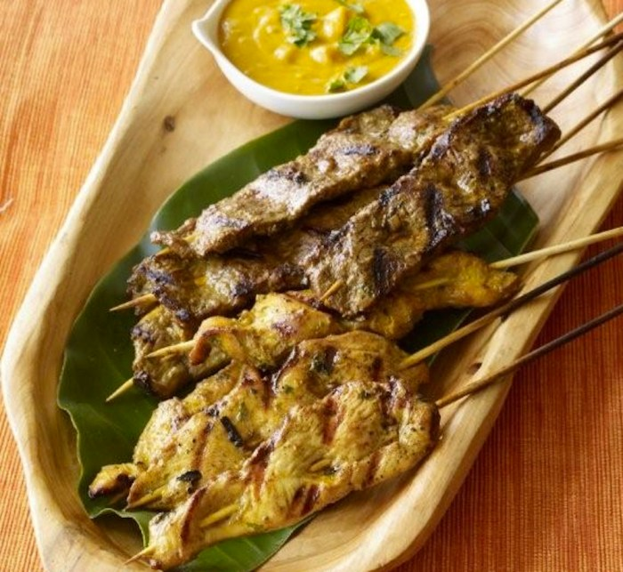 Chicken & Beef Satays with Peanut Sauce – Food Republic