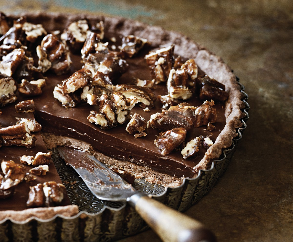 Sea-Salt Chocolate and Pecan Tart Recipe – Food Republic