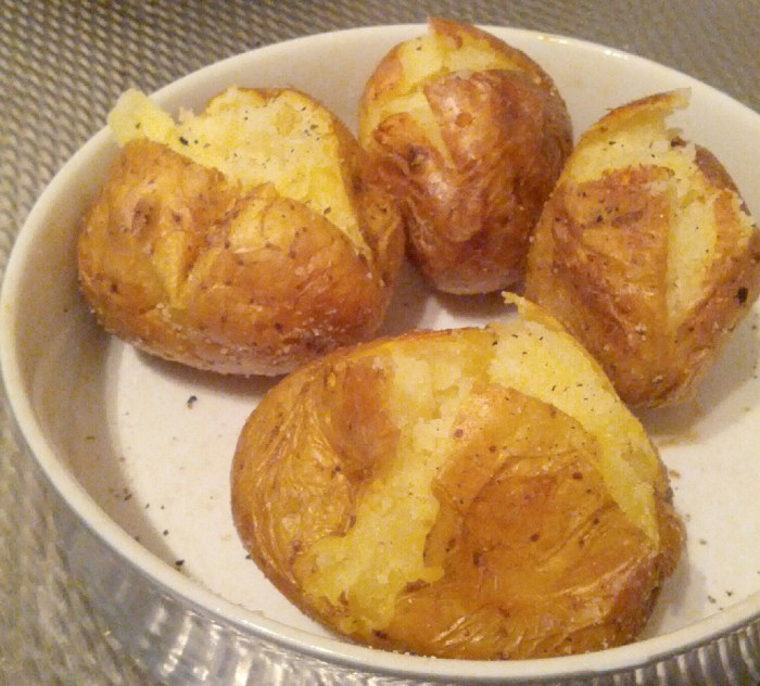 How do you microwave a baked potato food republic article featured image ccuart Images