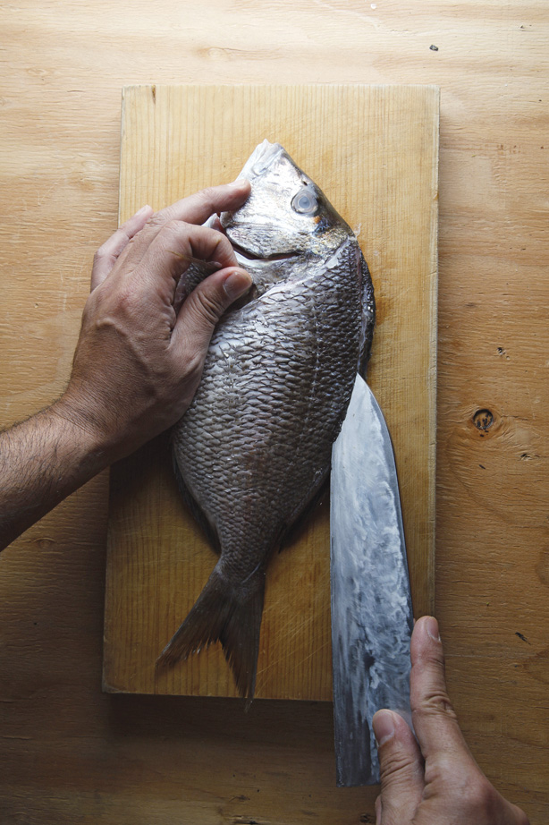 How to prepare a whole fish for deep frying food republic for Best fish to deep fry