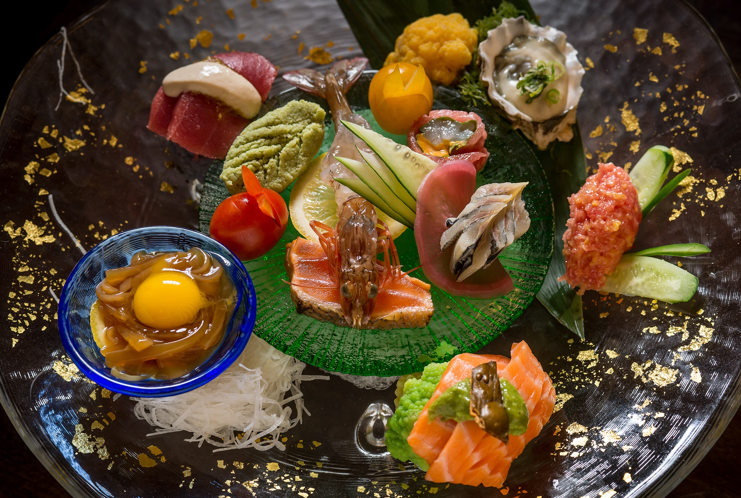 interview a sushi god chef seki on etiquette soy sauce a platter of fish at sushi seki combines ese classics flavors more familiar to the american palate