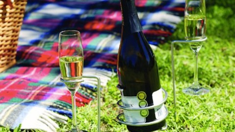 Steady Sticks: Never Spill Wine All Over Your Picnic Again!