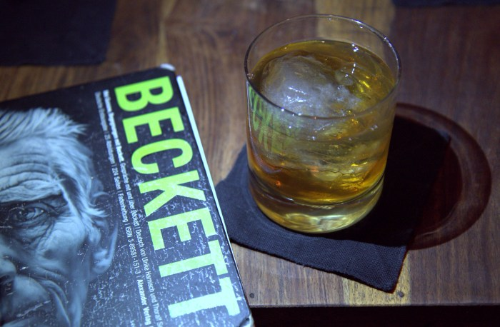 10 great cocktail bars in berlin germany food republic. Black Bedroom Furniture Sets. Home Design Ideas