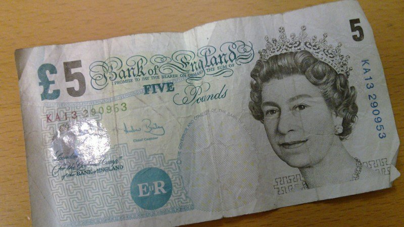 The new plastic English banknote made with animal fat won't crumble as easily as the old paper one. (Photo: b33god/Flickr.)