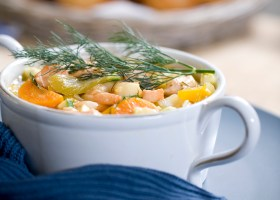 BACKGROUND salmon and potato chowder