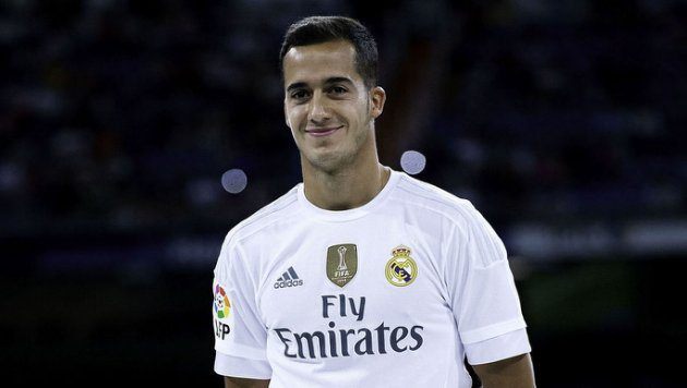 MADRID, SPAIN - AUGUST 18: Lucas Vazquez of Real Madrid CF poses for the media prior to start the Santiago Bernabeu Trophy match between Real Madrid CF and Galatasaray  at Estadio Santiago Bernabeu on August 18, 2015 in Madrid, Spain.  (Photo by Gonzalo Arroyo Moreno/Getty Images)