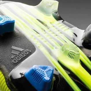 The Adidas Nitrocharge 1.0 also features the TRAXION 2.0 stud configuration which benefits grip and traction on the surface also making them great for running.-football
