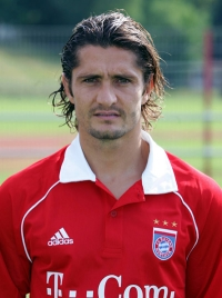 Bixente Lizarazu   biography  stats  rating  footballer s profile     Bixente Lizarazu