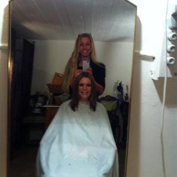 Klippte min frisör fd kollega fd elev :) hemma i källaren bland proppskåp och bråte