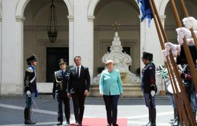 The handout picture released by Chigi Palace Press Office shows Italian Premier Matteo Renzi meeting with German Chancellor Angela Merkel at Chigi Palace in Rome, Italy, 05 May 2016. ANSA/ CHIGI PALACE PRESS OFFICE/ TIBERIO BARCHIELLI   +++ ANSA PROVIDES ACCESS TO THIS HANDOUT PHOTO TO BE USED SOLELY TO ILLUSTRATE NEWS REPORTING OR COMMENTARY ON THE FACTS OR EVENTS DEPICTED IN THIS IMAGE; NO ARCHIVING; NO LICENSING +++