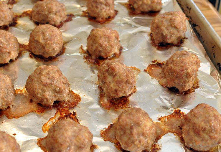 Cooked meatballs