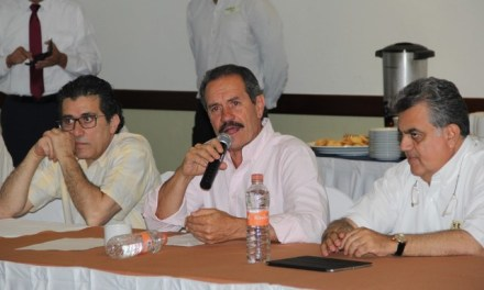 Veracruzanos viven en el desempleo, mientras políticos saquean al erario: Juan Bueno Torio