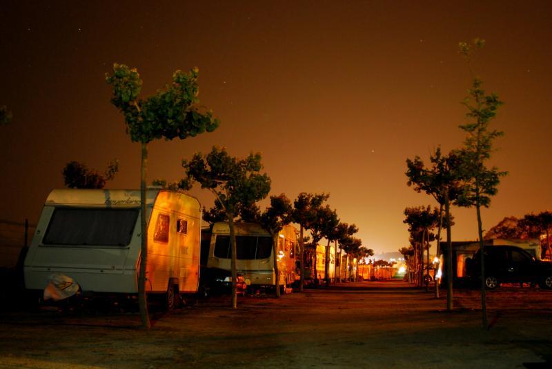 camping a media noche (jorge zeballos briones)