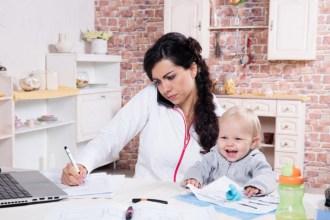 Être maman et choisir le travail à domicile
