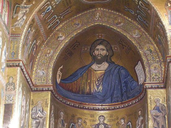 mosaici del Duomo di Monreale: in alto il Cristo Pantocratore