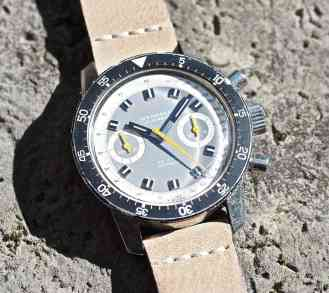 In direct light the grey dial of the Wakmann Big Boy takes on a decidedly lighter tone and the orange becomes far more yellow