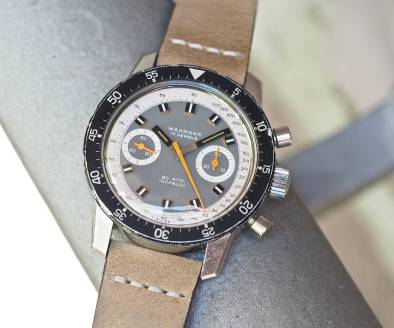 Note the knurling on the rotating bezel of the Wakmann Big Boy - it's effective for operation and for picking up dings!