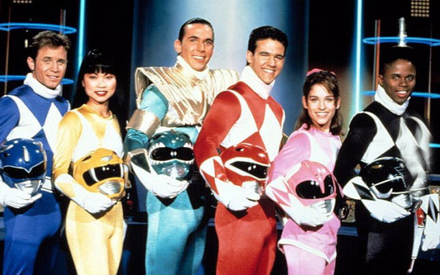 16-09-power-rangers-pose-faces