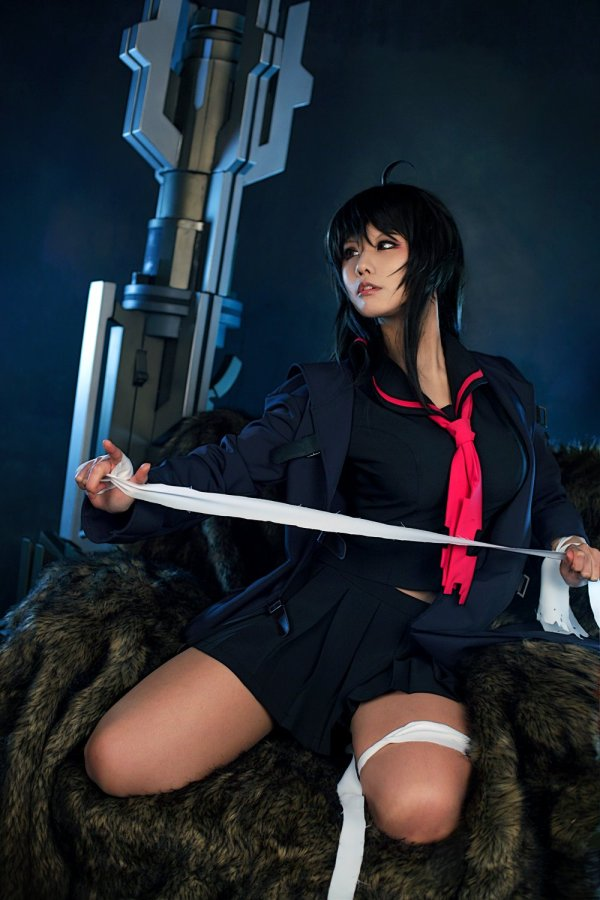 Iris Yuma Hammer Stol cosplay 8