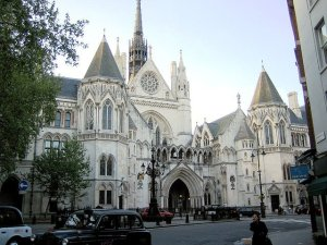 640px-Royal_courts_of_justice