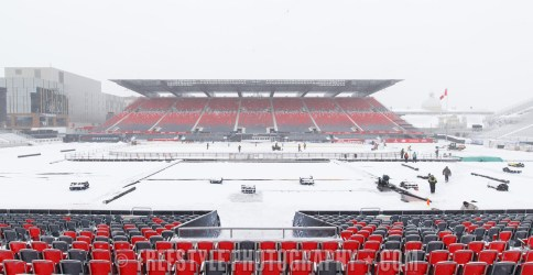 OTTAWA, ON - DECEMBER 12: A general view of the rink and stadium ahead of the Scotiabank NHL100 Classic between the Ottawa Senators and the Montreal Canadiens, at Lansdowne Park on December 12, 2017 in Ottawa, Canada. (Photo by Andre Ringuette/NHLI via Getty Images)
