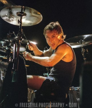 Metallica - Corel Centre MARCH 30 1997 (PHOTO: Andre Ringuette/Freestyle Photography)