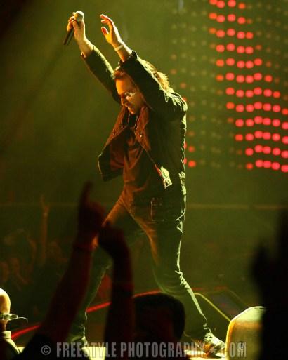 U2 Corel Centre, Ottawa - 11/25/05 (PHOTO: Andre Ringuette/Freestyle Photography)